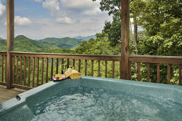 Hot tub on the lower deck of Cherokee Sunset.